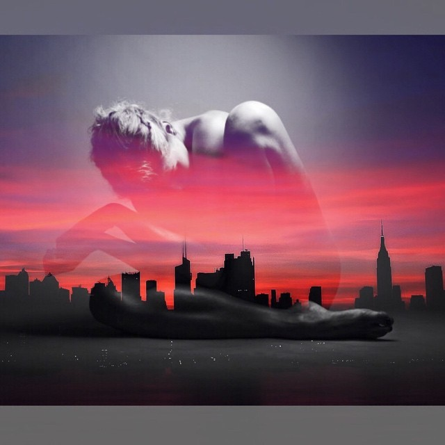 Sunset #blackandred #paintedbylight #nyc #fromwhereisit  http://ift.tt/1EMjjAr