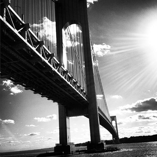 Under the bridge #brooklyn #nyc #blackandwhite #bnw_switzerland #monochrome #paintedbylight #noirvue #spring
