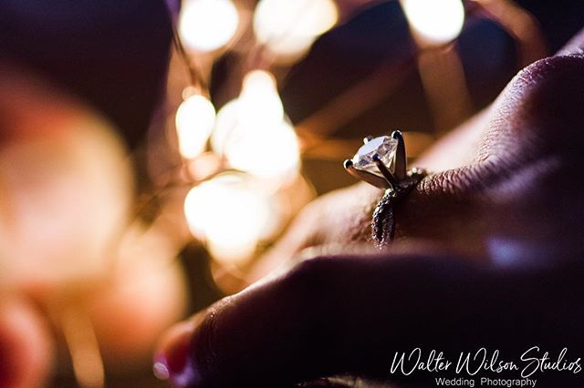 I don't know why us wedding photographers always take the rings off for detail shots. They look perfectly fine right where they're suppose to be - on a finger. 💍💍❤️