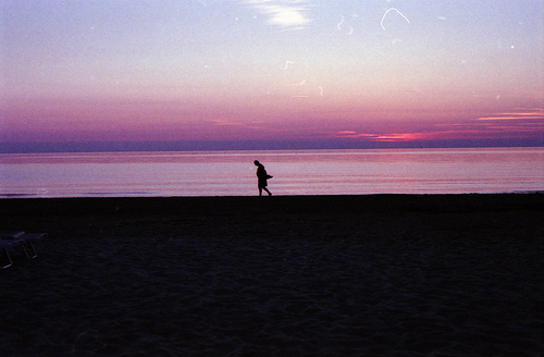 lonely-beach.jpg