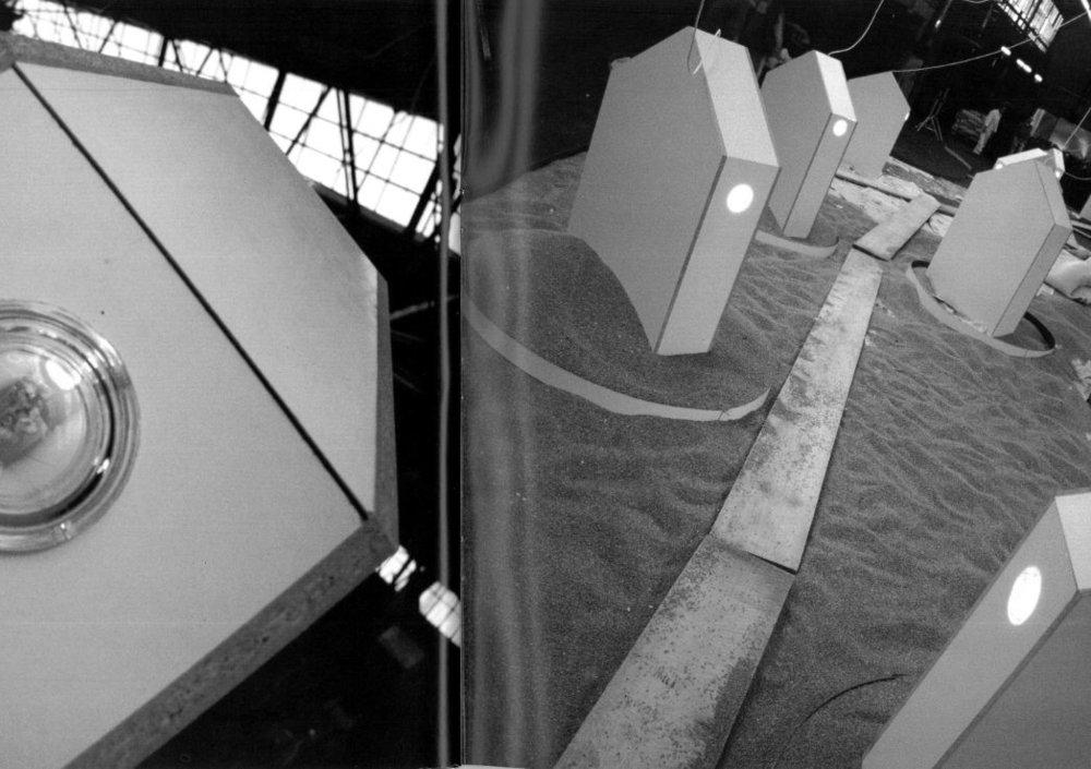 Instalacija Franca Purga v kletnih prostorih Kluba Satchmo