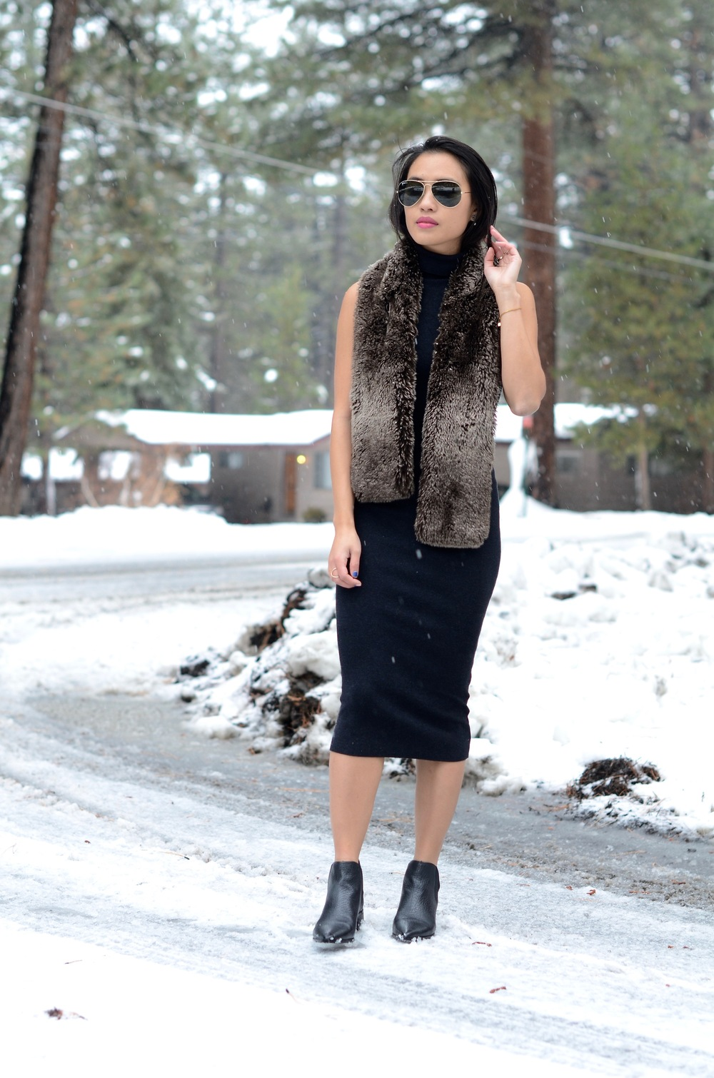 Just Goh With It-Travel-California-Lake-Tahoe-Zara-Turtleneck-Knit-Dress-Fur-Scarf-Massimo-Dutti-Ankle-Boots-2.jpg
