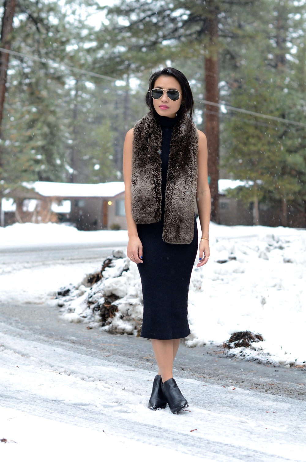 Just Goh With It-Travel-California-Lake-Tahoe-Zara-Turtleneck-Knit-Dress-Fur-Scarf-Massimo-Dutti-Ankle-Boots-3.jpg