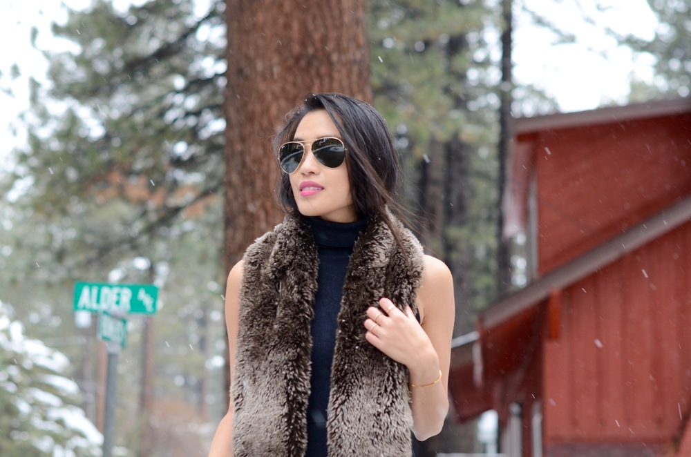 Just Goh With It-Travel-California-Lake-Tahoe-Zara-Turtleneck-Knit-Dress-Fur-Scarf-Massimo-Dutti-Ankle-Boots-4.jpg
