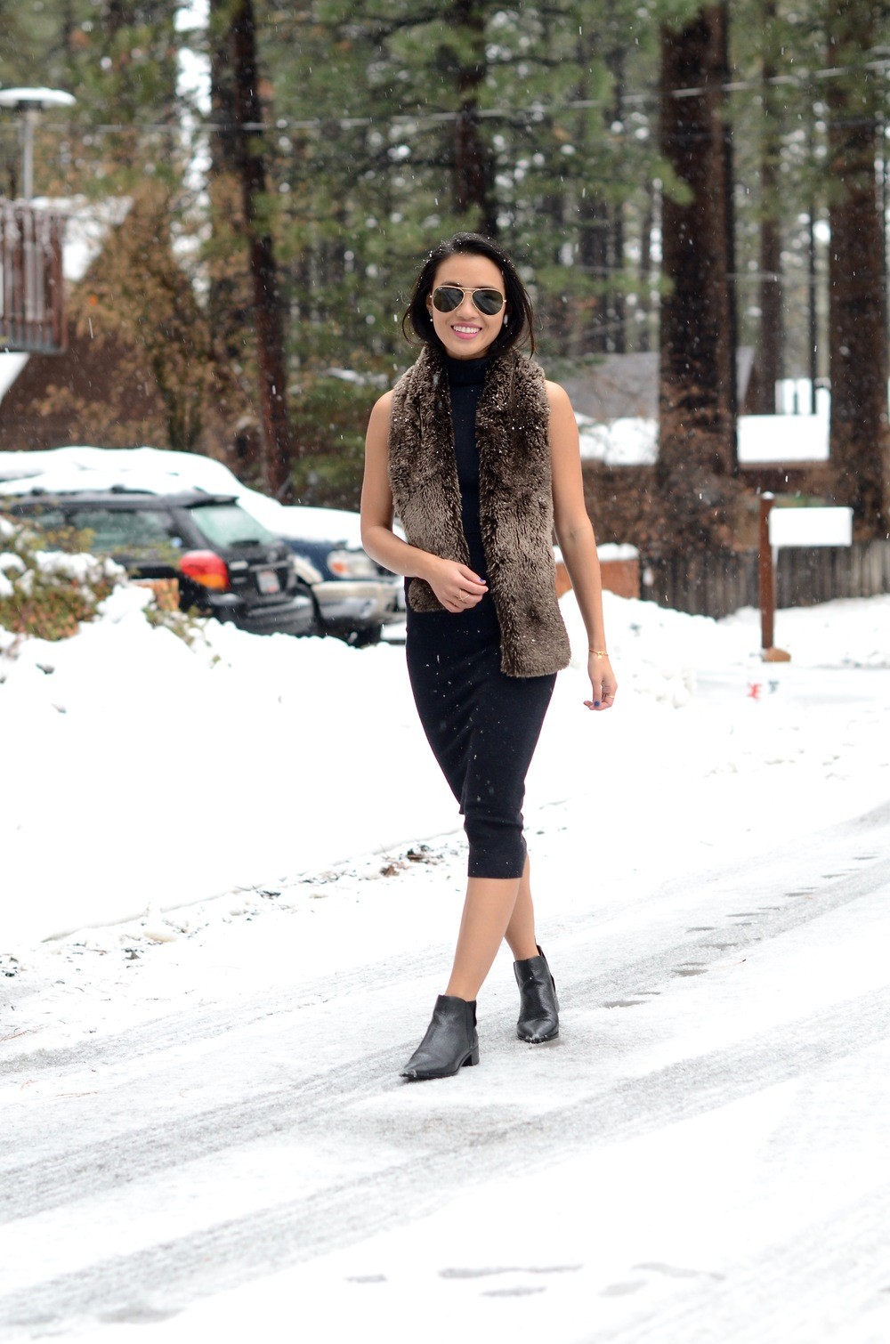 Just Goh With It-Travel-California-Lake-Tahoe-Zara-Turtleneck-Knit-Dress-Fur-Scarf-Massimo-Dutti-Ankle-Boots-7.jpg