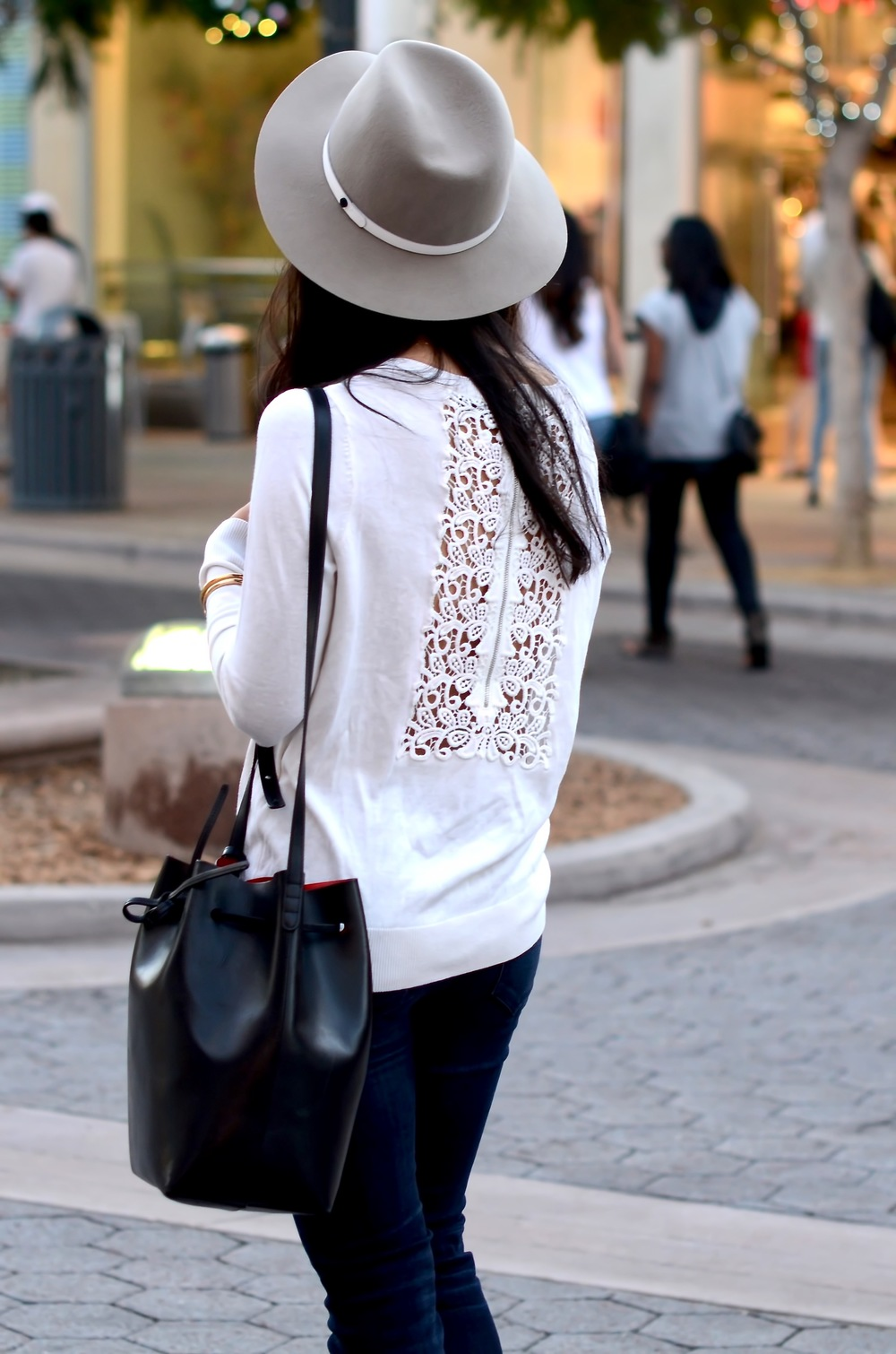 Just Goh With It-los-angeles-style-fashion-blogger-Outfit-Sandro-Knit-Sweater-mansur-gavriel-bucket-bag-1.jpg