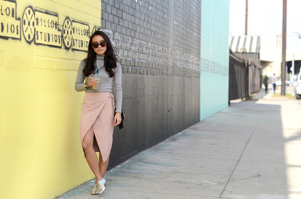 Just Goh With It-Outfit-Turtleneck-suede-wrap-slirt-vintage-chanel-metallic-oxfords-6.jpg