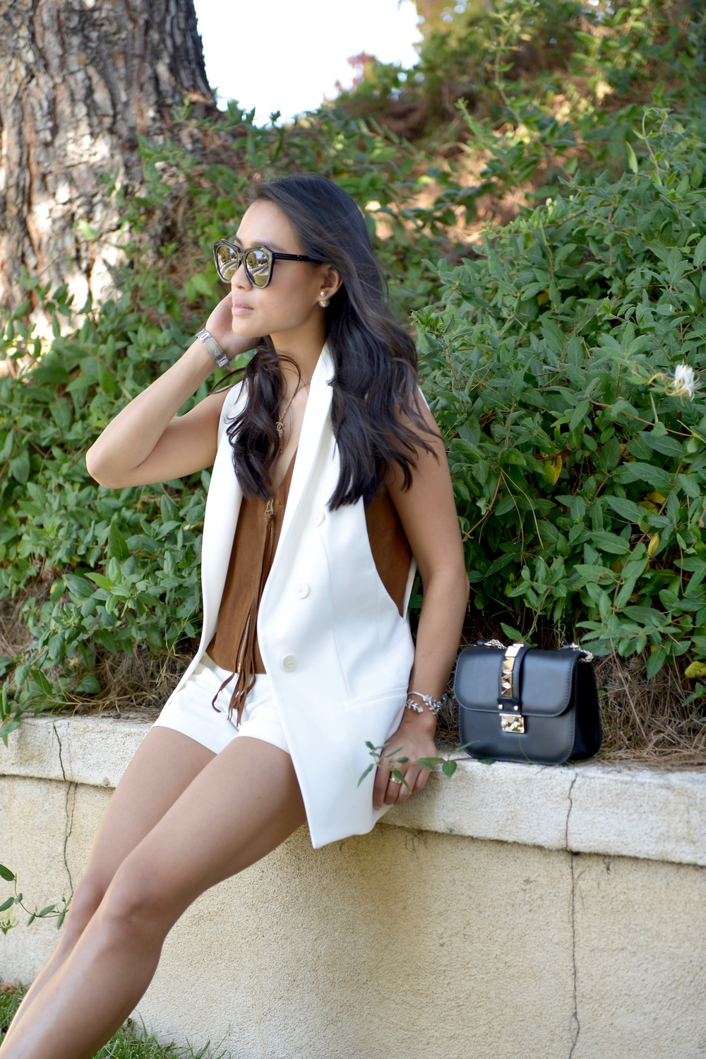 Just Goh With It-Outfit-White-Sleeveless-Blazer-Suede-top-shorts-loafers-valentino-rockstud-7.jpg