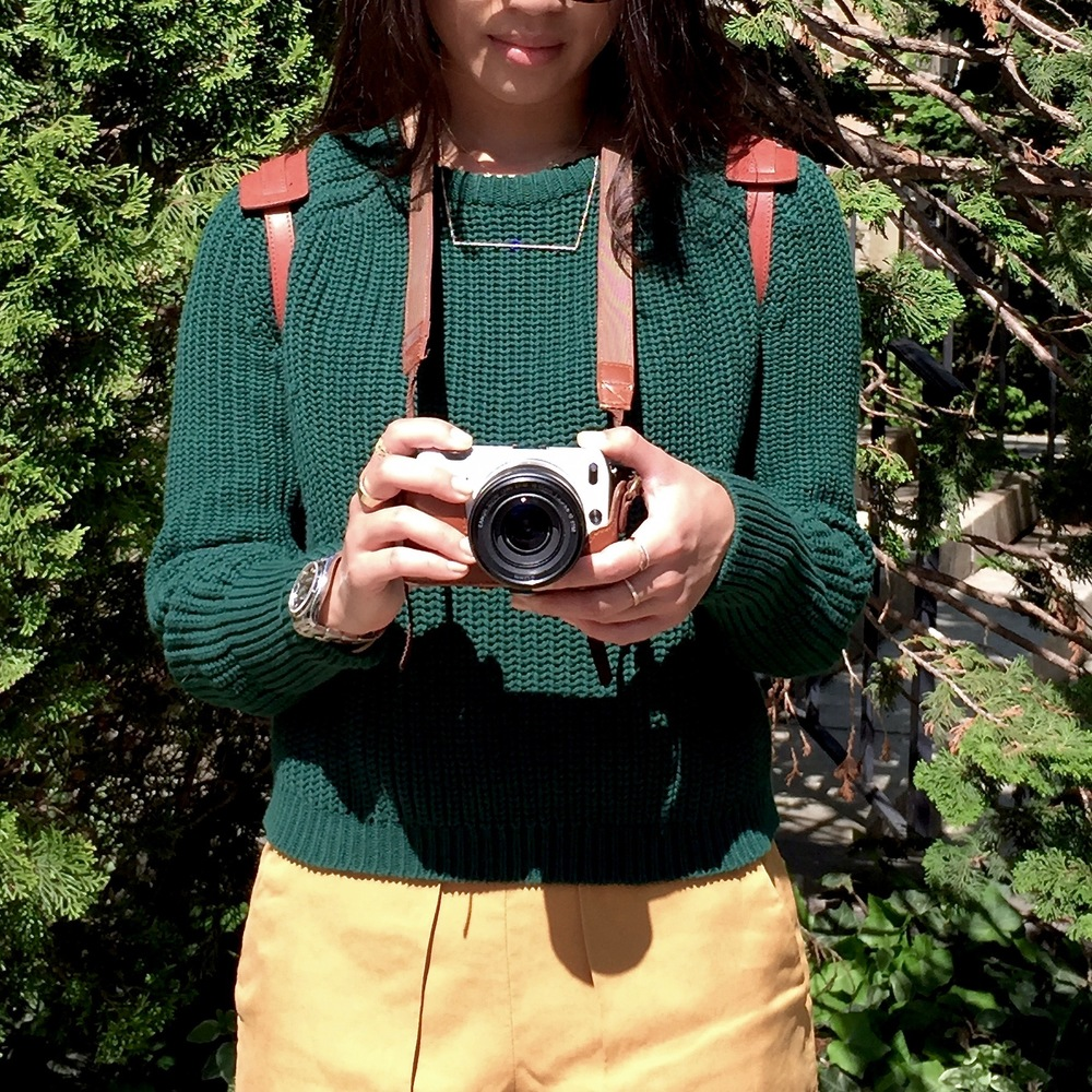 Just Goh With It-Outfit-American-Apparel-forest-Green-Sweater-Zara-Mustard-Yellow-Shorts-dvf-wedges-4.jpg
