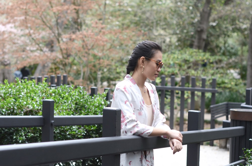 Just Goh With It-Outfit-Descanso-Gardens-Levis-Jeans-Bodysuit-Mules-Kimono-Cardigan-3.jpg