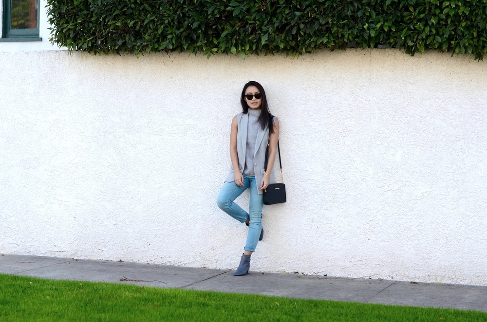Just Goh With It-los-angeles-fashion-style-blogger-Outfit-sleeveless-blazer-mock-neck-top-3.jpg