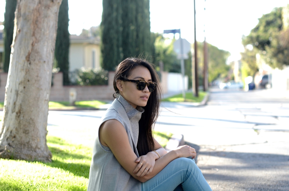 Just Goh With It-los-angeles-fashion-style-blogger-Outfit-sleeveless-blazer-mock-neck-top-6.jpg