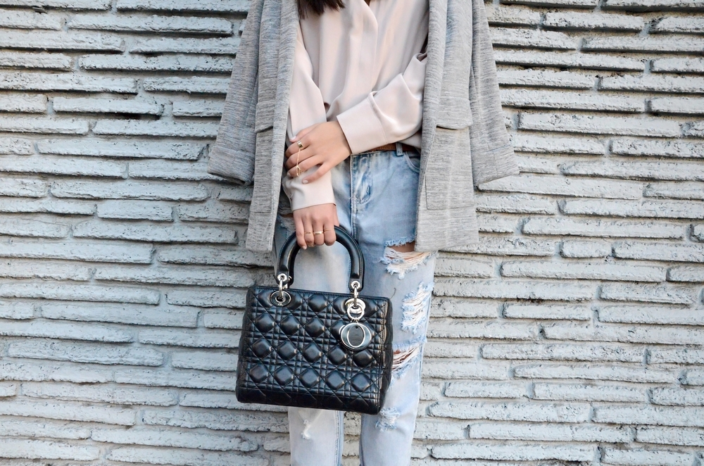 Just Goh With It-Outfit-Everlane-shirt-one-teaspoon-distressed-jeans-topshop-blazer-illesteva-saint-laurent-maryjane-lady-dior-6.jpg