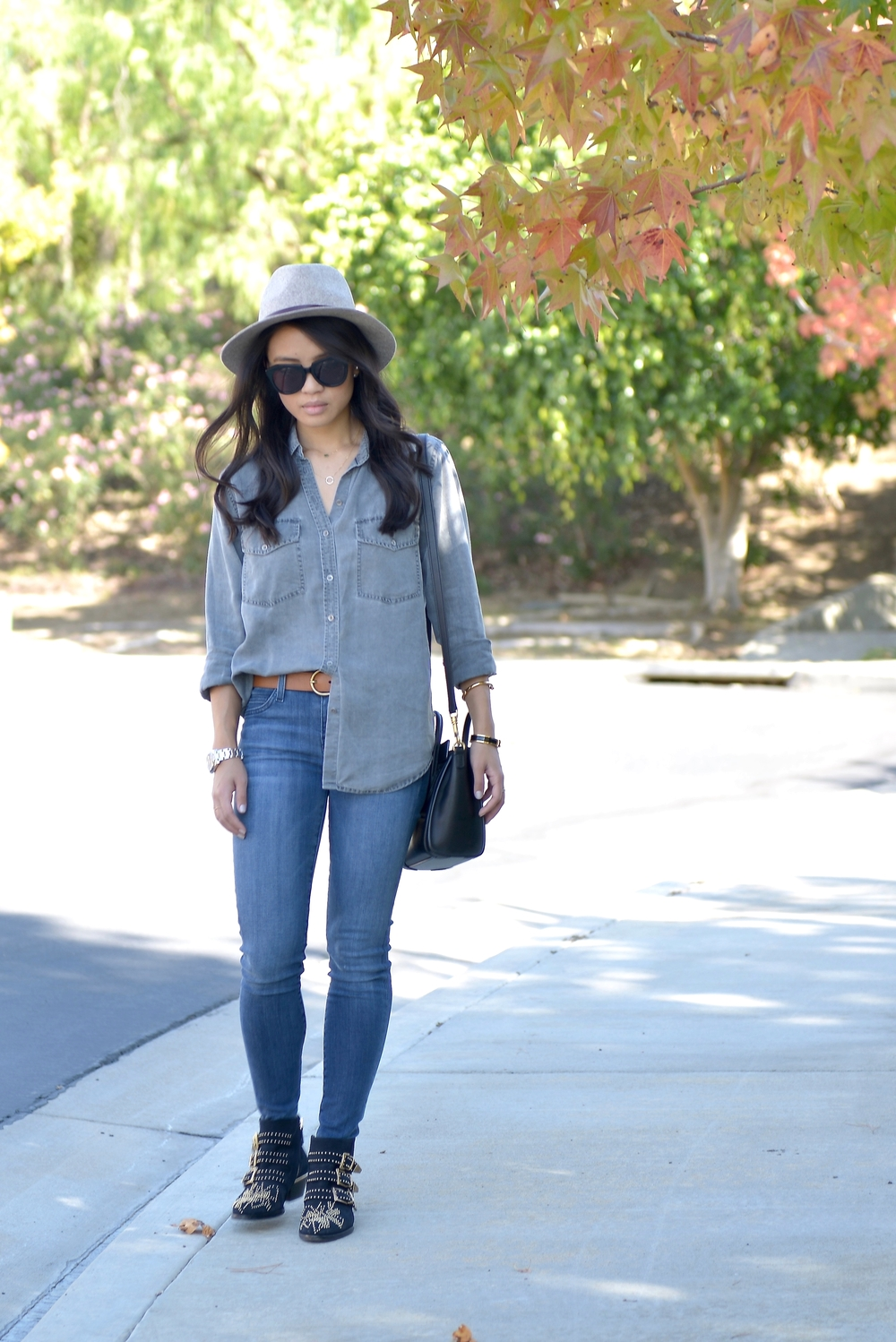 Just Goh With It-Outfit-Current-Elliott-Shirt-Blue-Jeans-Chloe-Susanna-Ankle-Boots-7.jpg