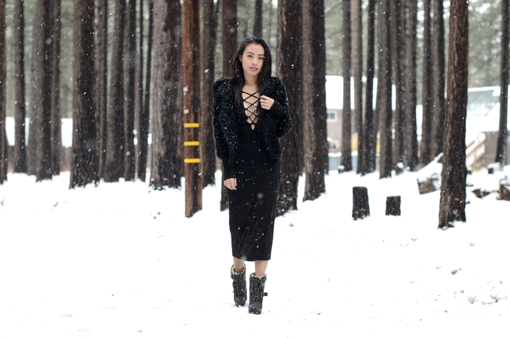 Just Goh With It-Travel-California-Lake-Tahoe-Reformation-Lace-Up-Dress-Burberry-Shearling-Boots-Marc-Jacobs-Fur-Jacket-5.jpg