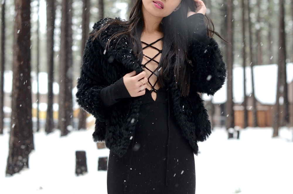 Just Goh With It-Travel-California-Lake-Tahoe-Reformation-Lace-Up-Dress-Burberry-Shearling-Boots-Marc-Jacobs-Fur-Jacket-6.jpg