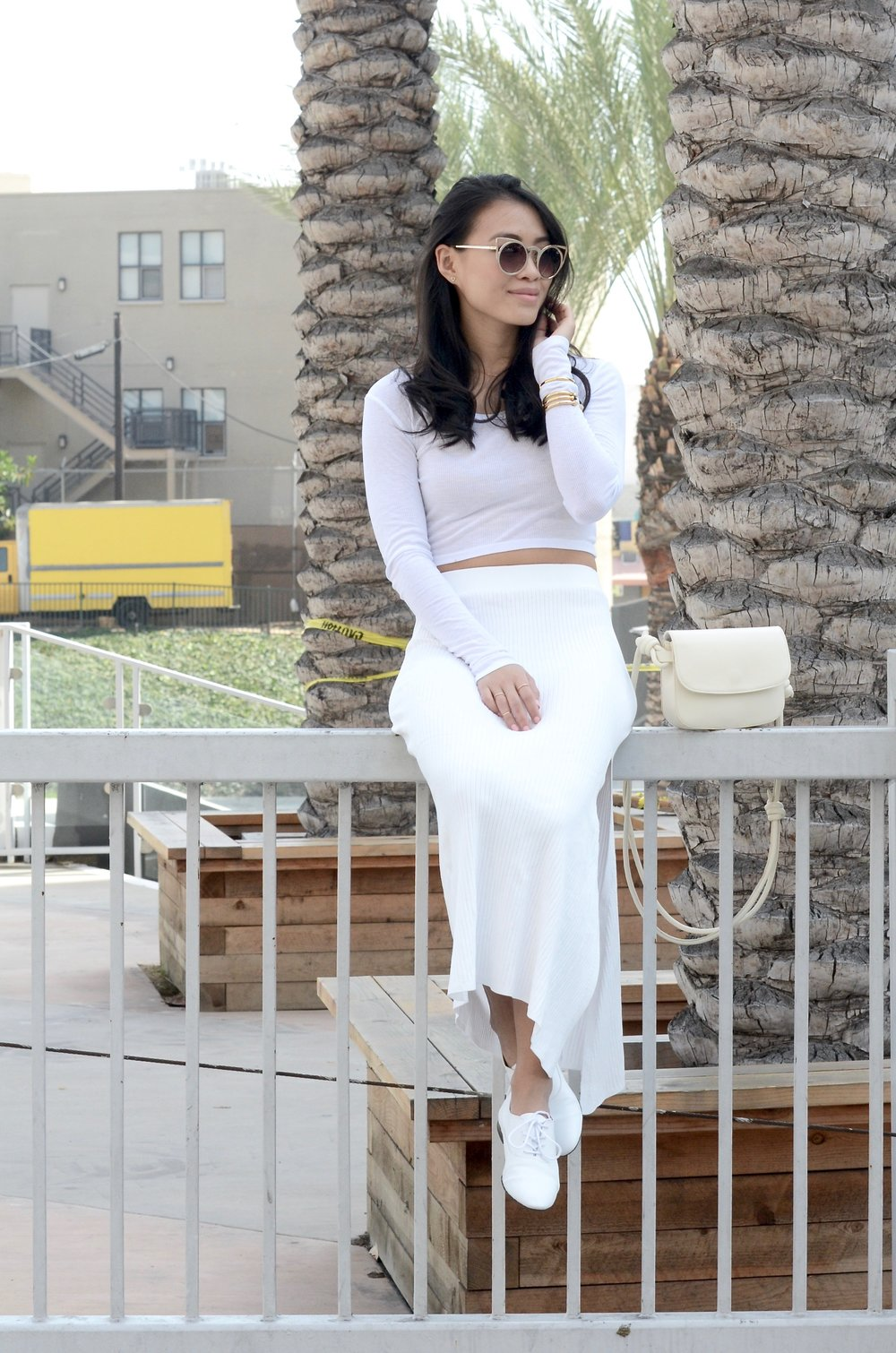 Just Goh With It-Outfits-All-White-Knits-Crop-Topshop-Zara-Oxfords-5.jpg