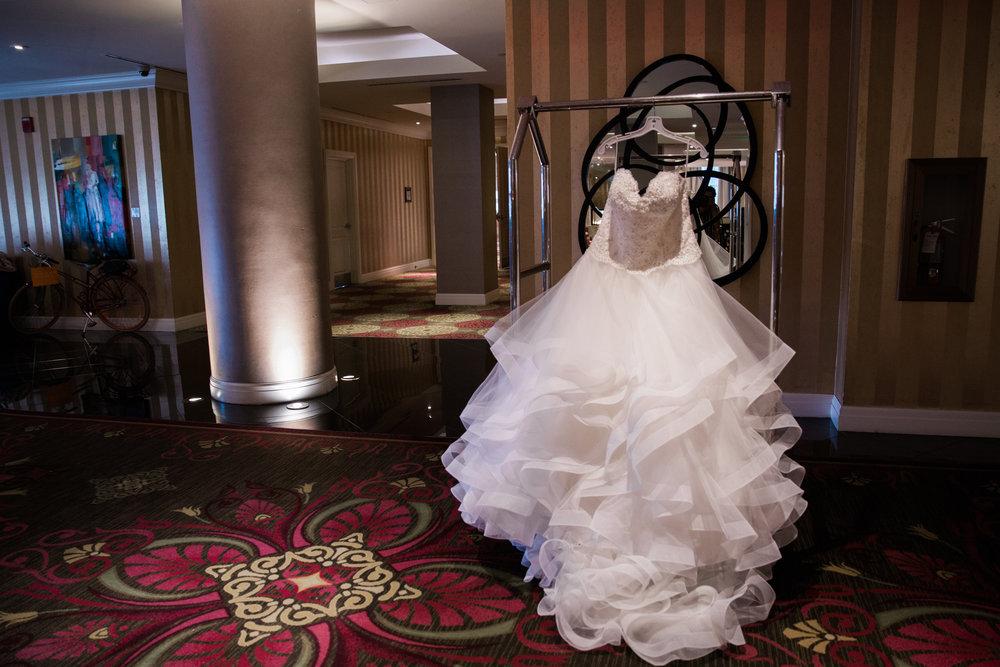 Baltimore Wedding Photographers in Hotel Monaco-6.jpg
