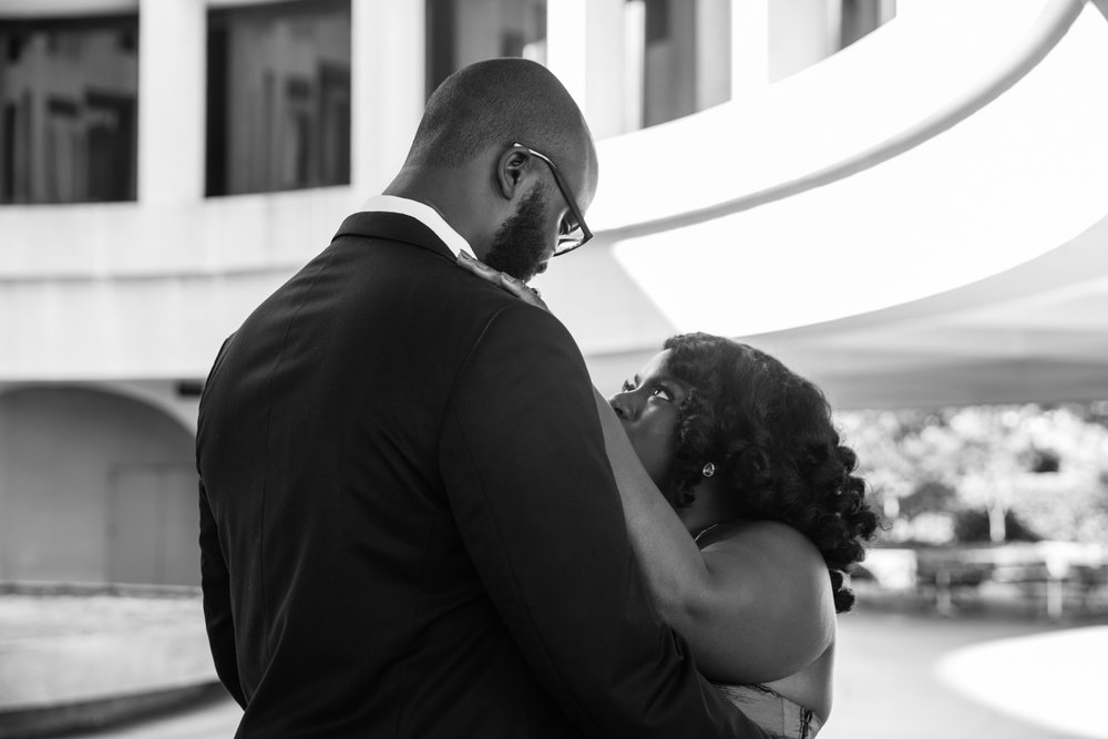 Washington DC Wedding Photographers Hishhorn Engagement-5.jpg