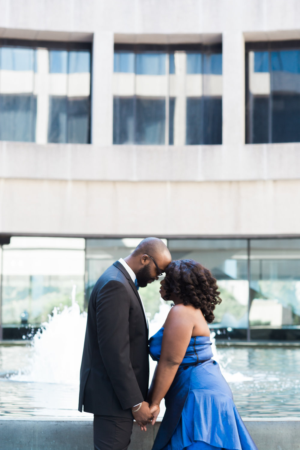 Washington DC Wedding Photographers Hishhorn Engagement-9.jpg
