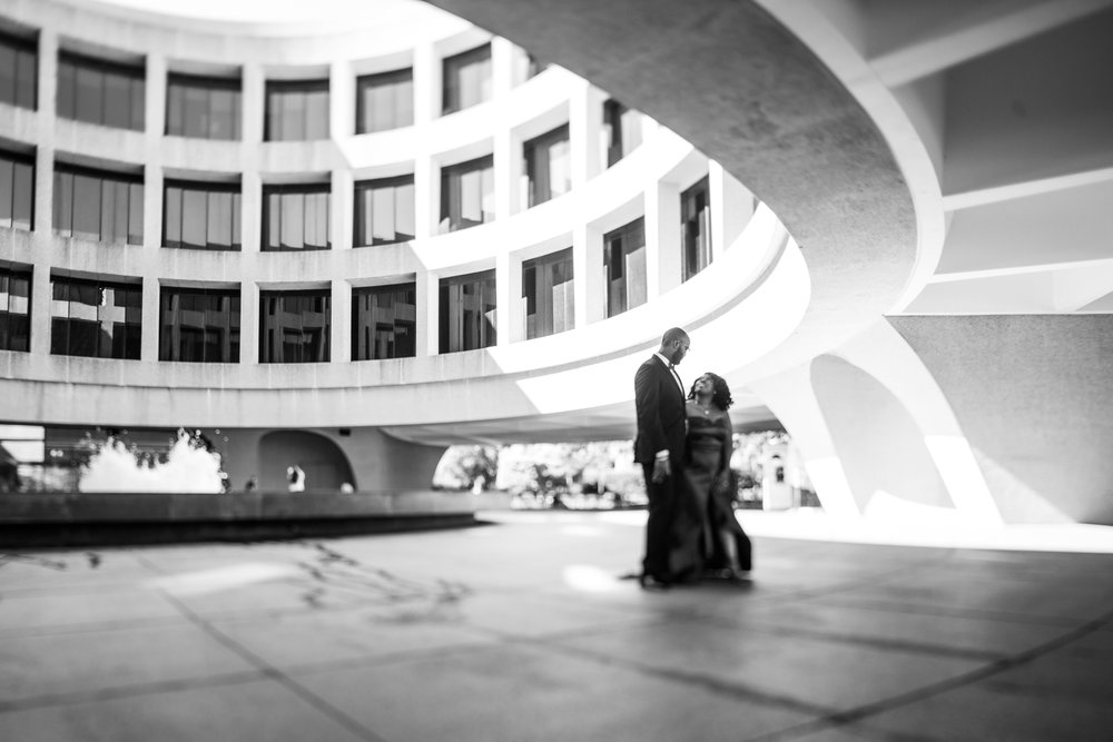 Washington DC Wedding Photographers Hishhorn Engagement-10.jpg