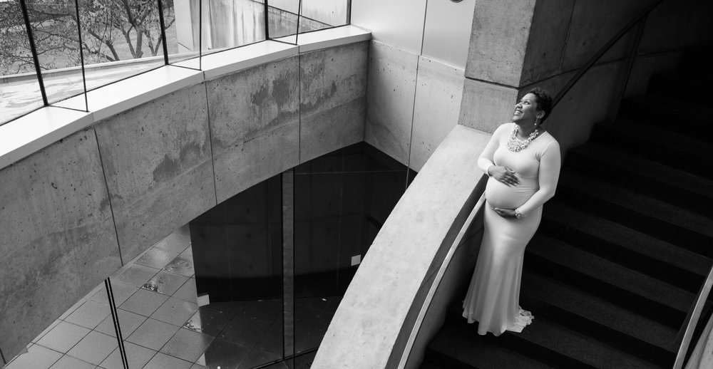 Baltimore Maryland Maternity Session at the Baltimore Museum of Art