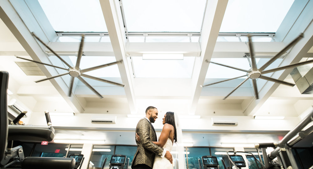 Fitness Wedding Photos in the Gym