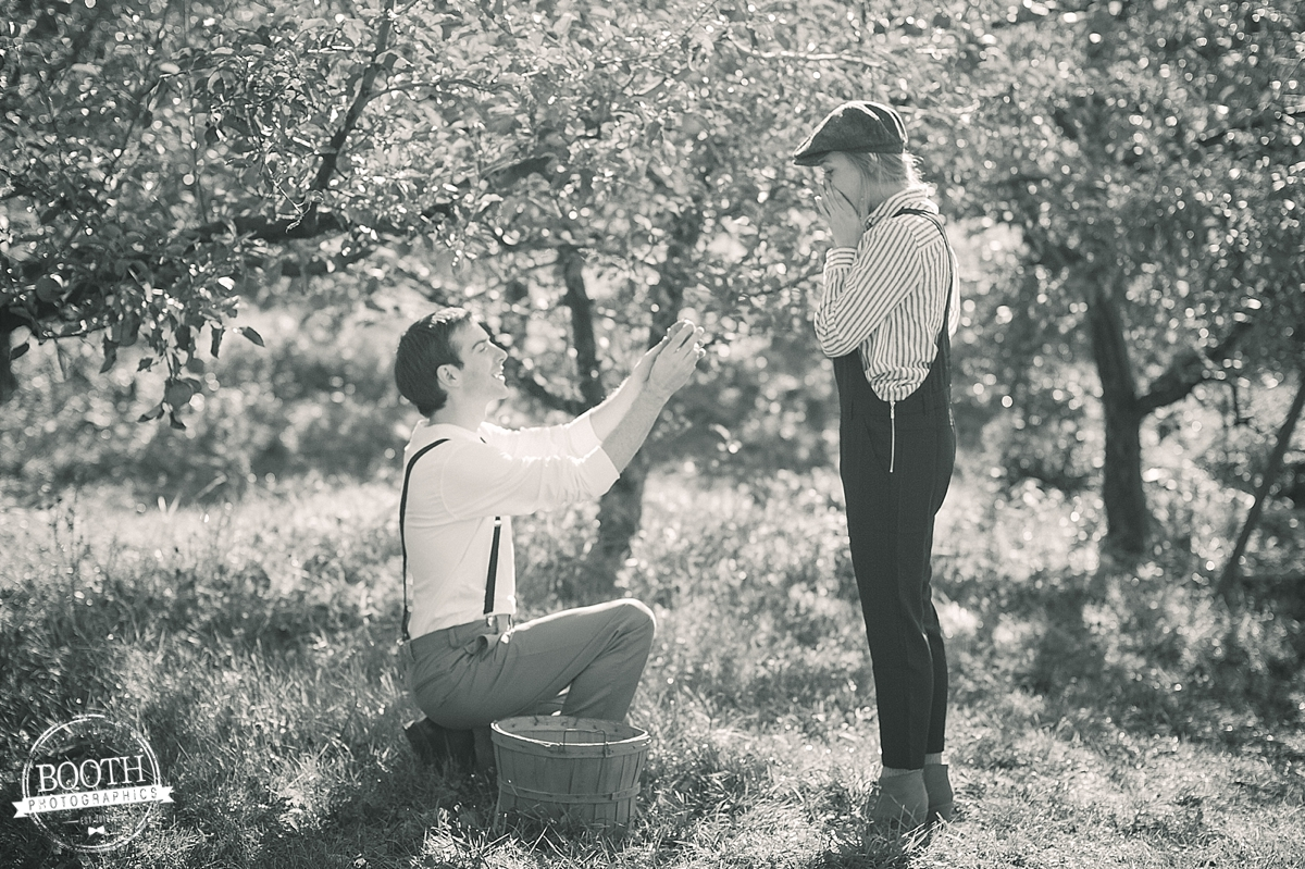 man proposing at a Madison Wisconsin orchard