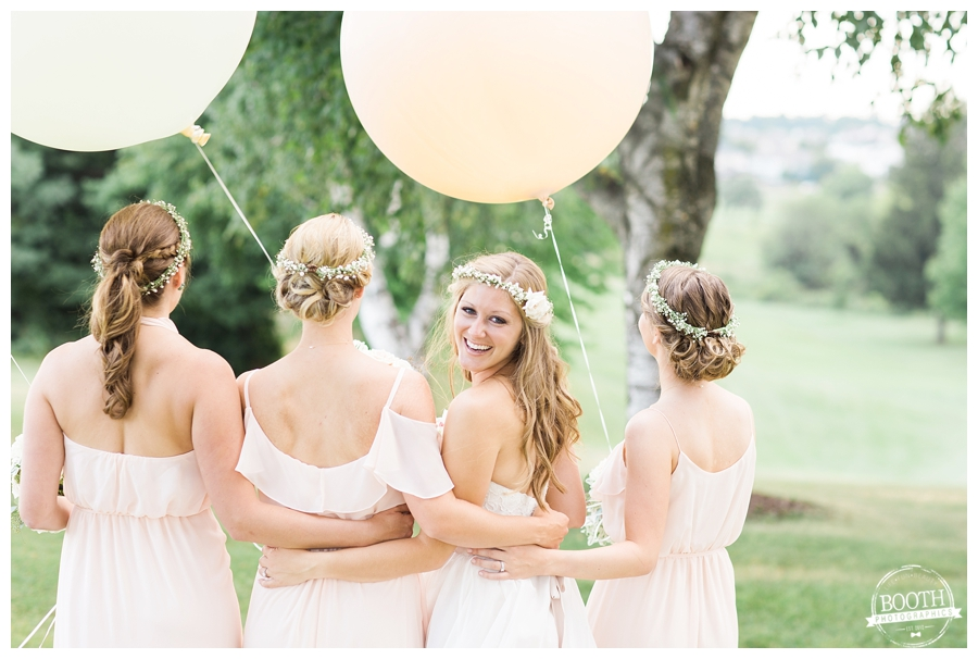 bohemian bridesmaids with giant baloons