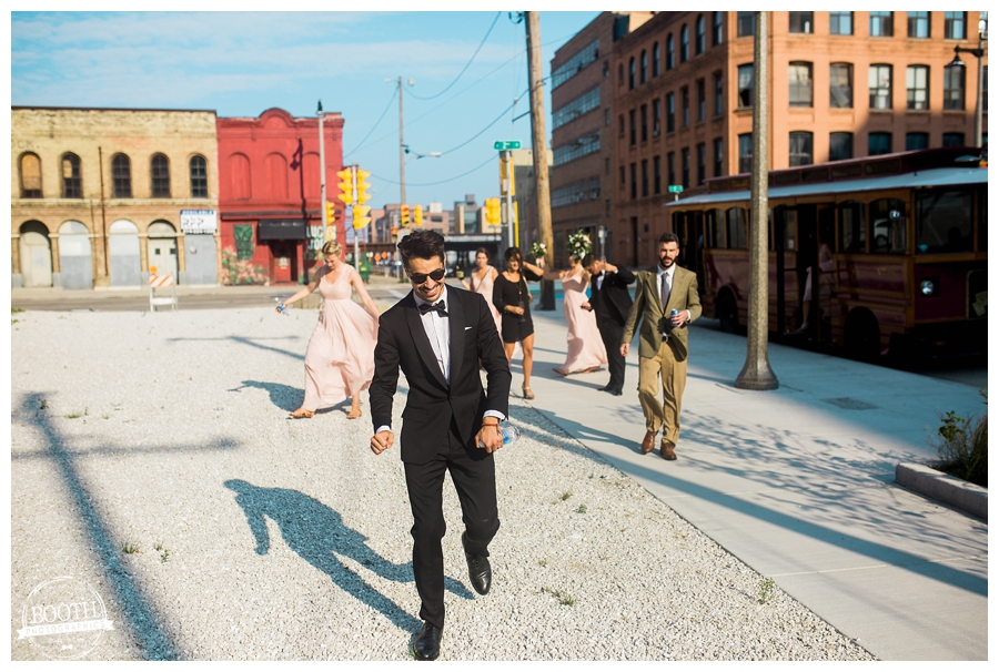 groom walking toward his Milwaukee wedding at the Pritzlaff