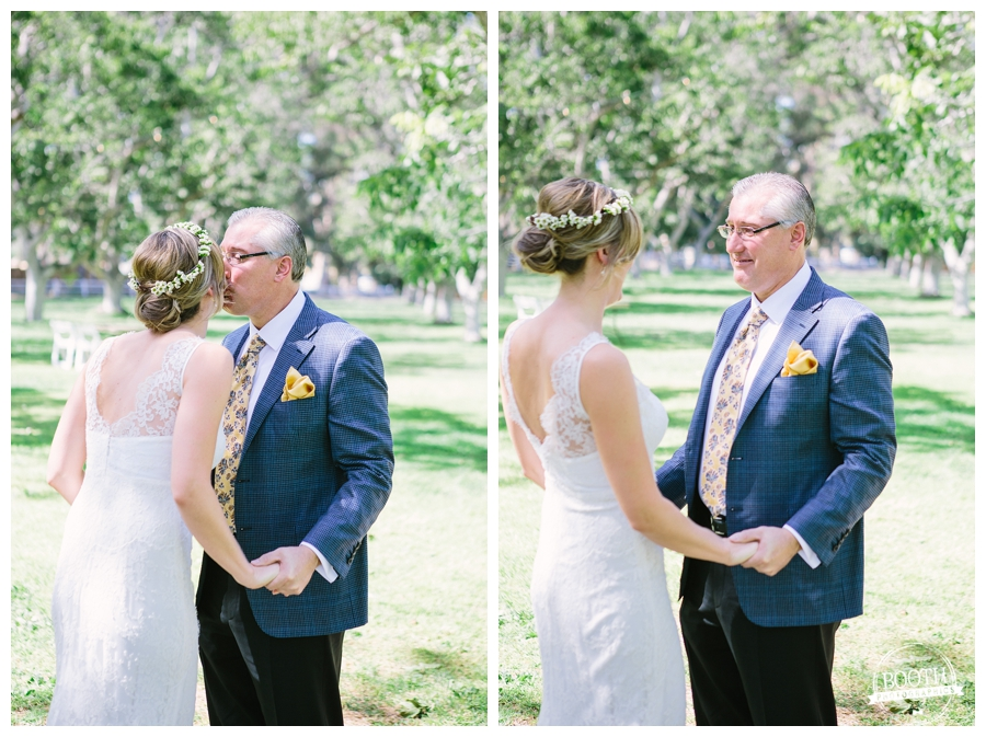 bride's first look with her father at the Walnut Grove in Moorpark, CA