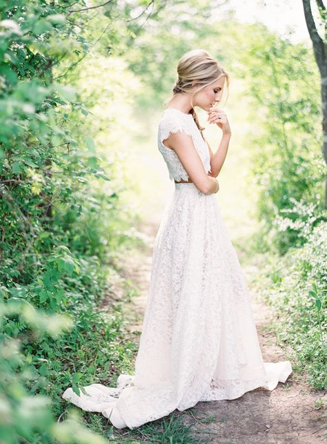 image via  Wedding Sparrow , on our board,  Fine Art Bride Style