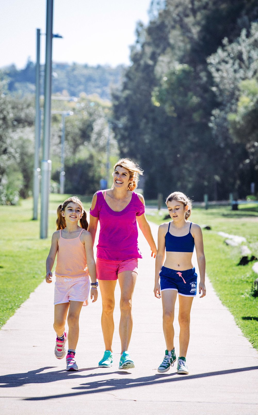 Lizzy-Williamson-walking-kids