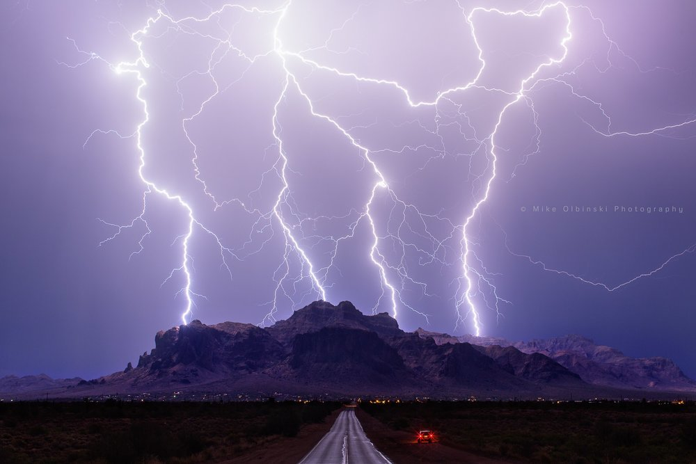 Incredible lightning shot by Mike Olbinski