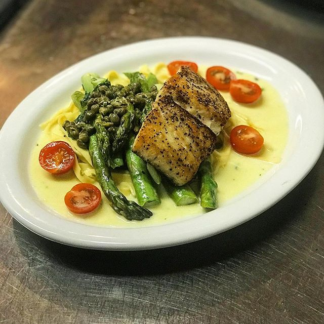Tonight's special: Pan seared Mexican sea bass with our housemate fettuccine pasta. Served in a lemon butter sauce with fresh asparagus, capers and cherry tomatoes. #thepastaria #freshpasta #losgatos #italianfood #bayarea