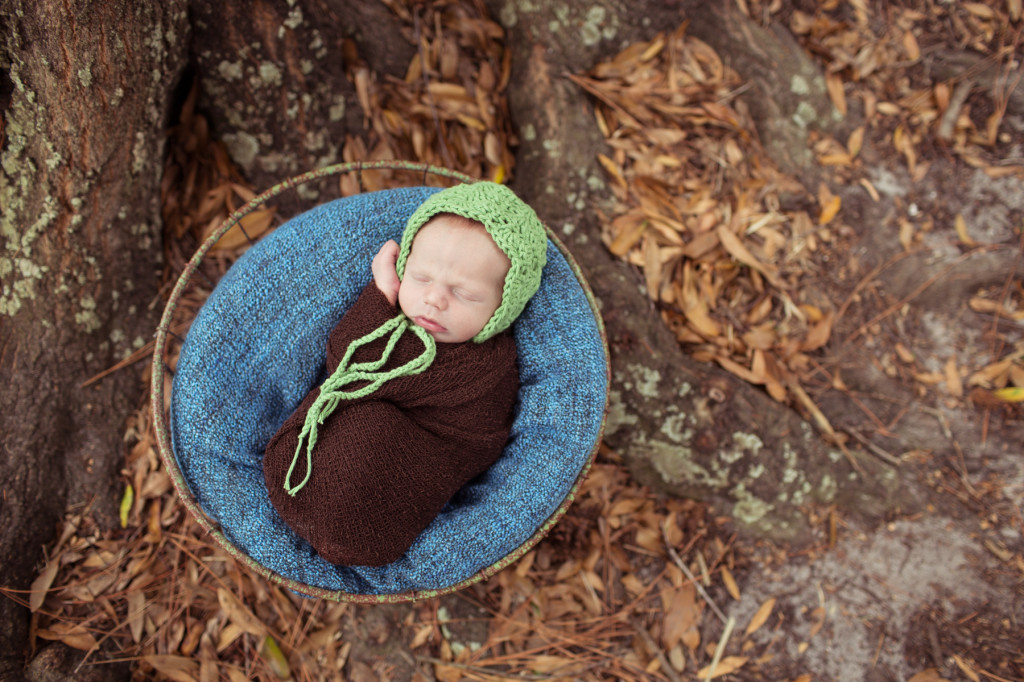 Tampa Outdoor Newborn Photography: Baby Brady