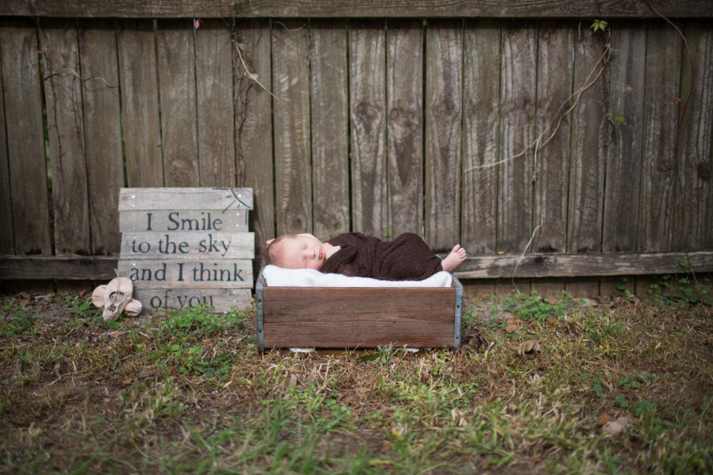 Lakeland Outdoor Newborn Photography: Baby Remy