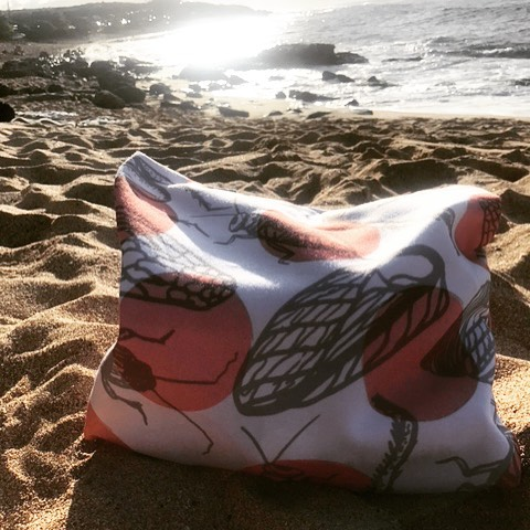 Have #critterbitters tote, will travel 🐜✨🌊 📷: @j0lly_m0lly