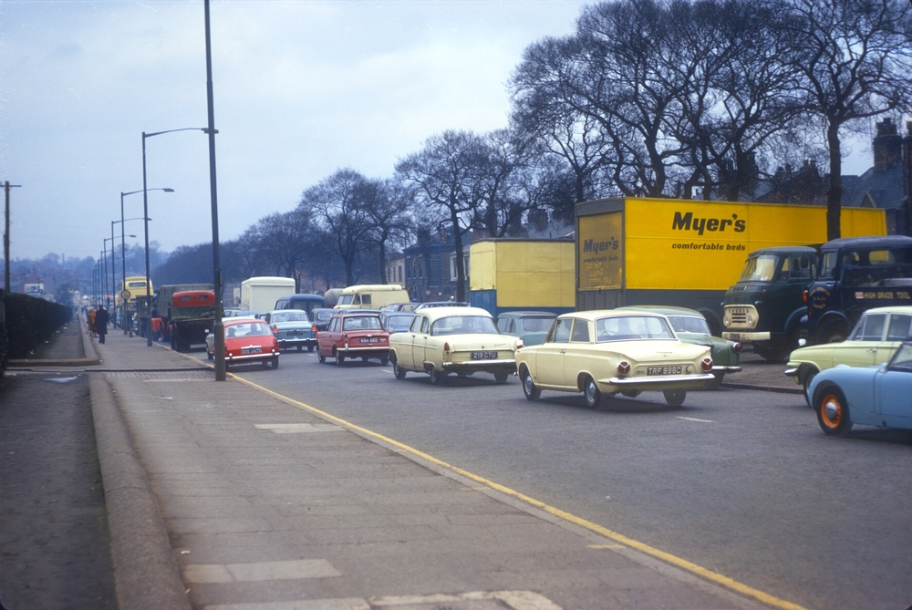 Aston, Lichfield Rd A38 (Salford Bridge), View north, Salford Park (L) 14th March 1968