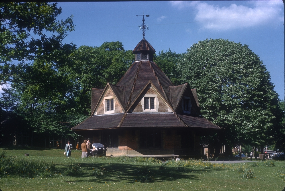 Bournville Village Green, Rest House. 25th May 1960