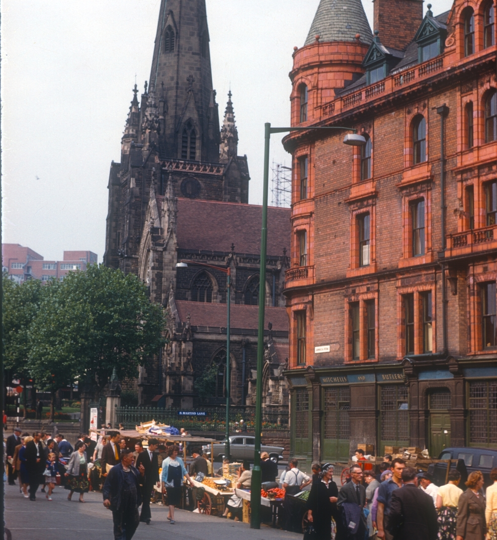 Jamaica Row, St Martin's Lane (street traders formerly in the Bull Ring) 5th August 1960