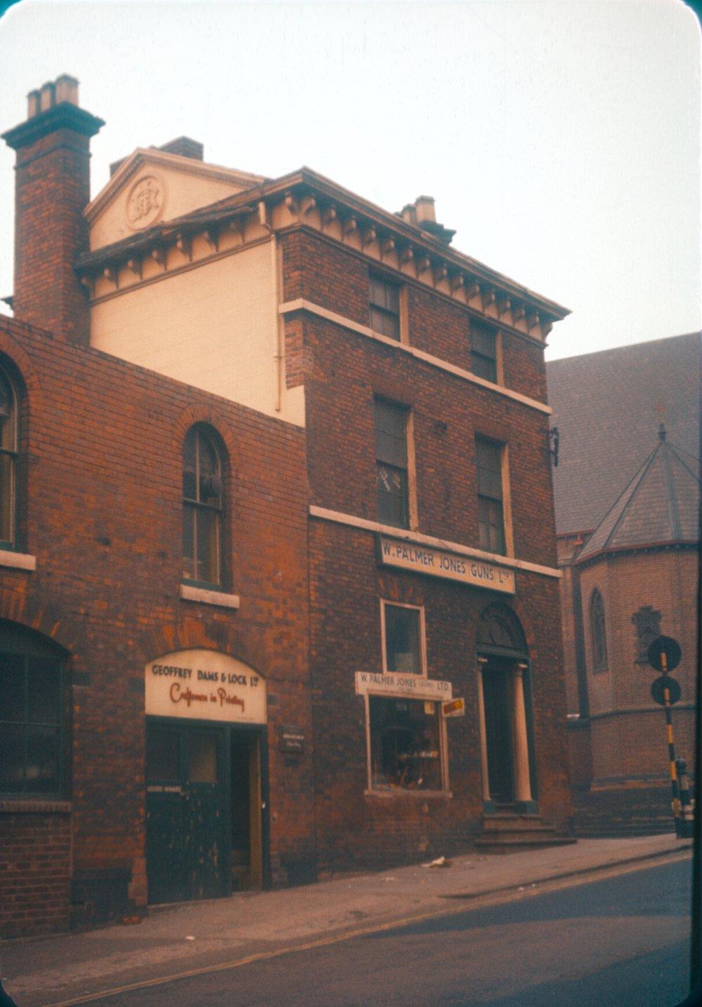 Gun Quarter Bath Street, Shadwell Street Corner. W. Palmer Jones Guns Ltd. By St. Chads Roman Catholic Cathedral. 25th March 1960