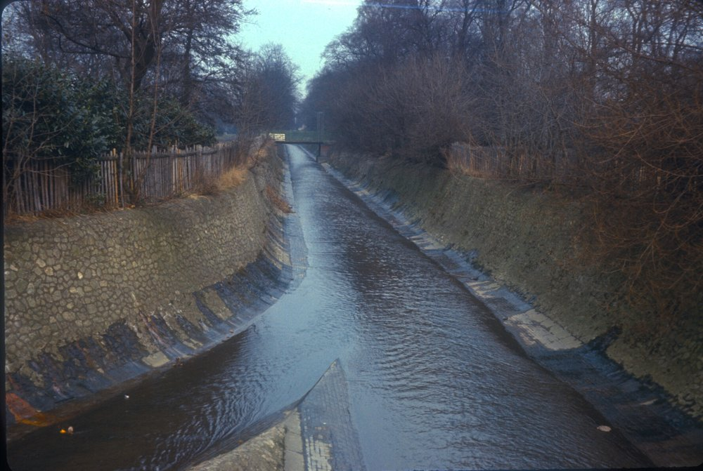 Birmingham Cannon Hill Park. Confluence of the River Rea (Right), Bourne Brook (Left). View North. 11th February 1967