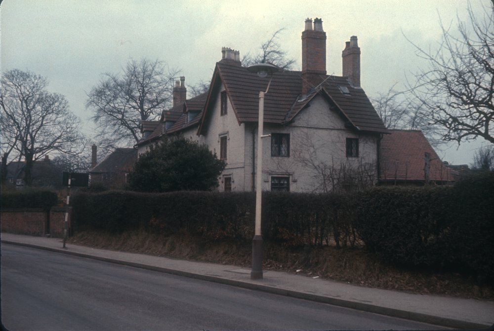 Edgbaston Somerset Road. Old cottages between Harrison Road and Richmond Hill Road. 11th February 1967