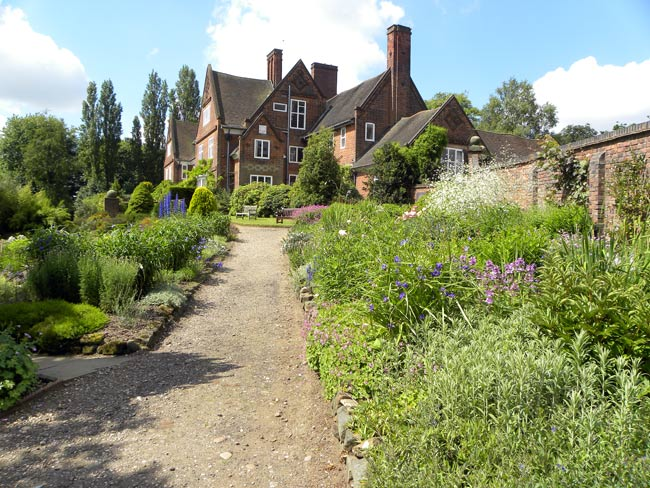 Winterbourne-House-and-Gardens.jpg