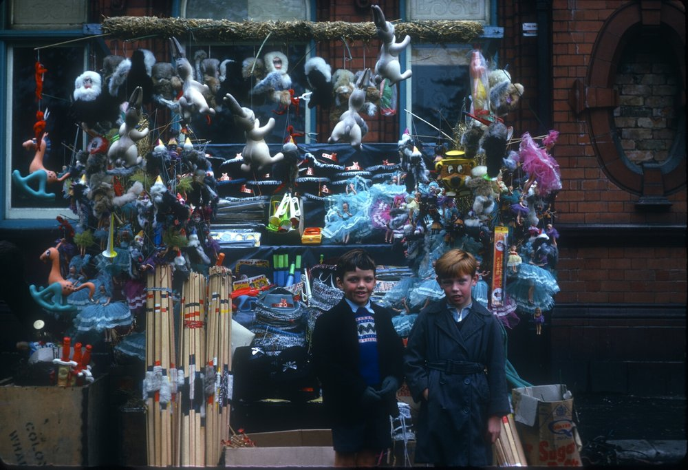 Kings Norton, Children at The Mop. 7th October 1963