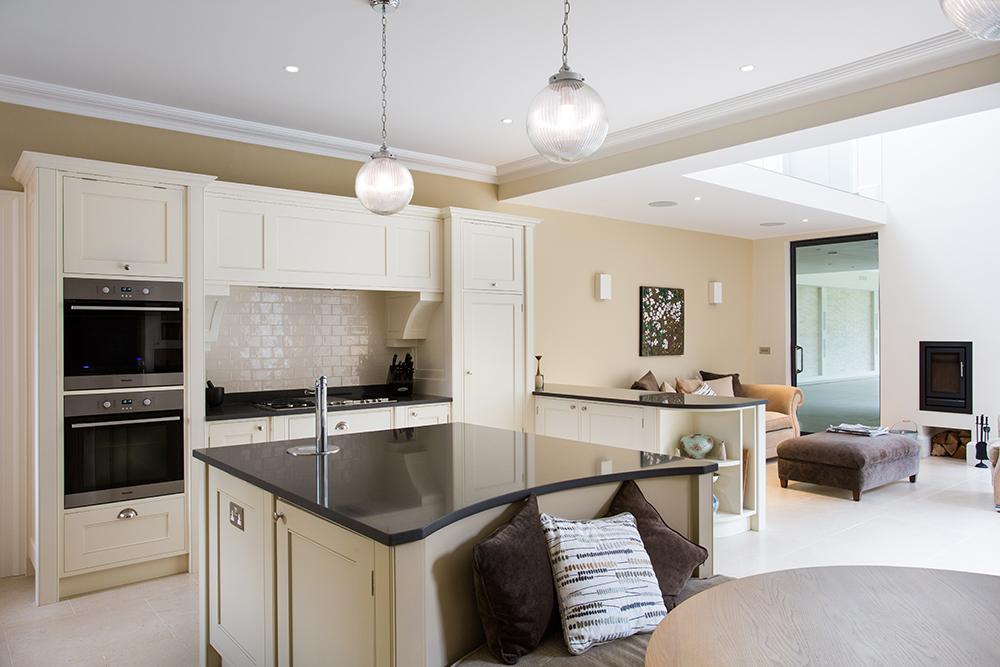 Bespoke kitchens treemark furniture for Bespoke kitchen design nottingham