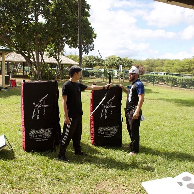 Going over the rules of the game is the most important aspect to keep everyone safe while having fun #archery #archerytag #archeryhawaii #instagood #photooftheday #picoftheday #friends #luckywelivehi #yelphawaii #havealohawilltravel #safe #fun