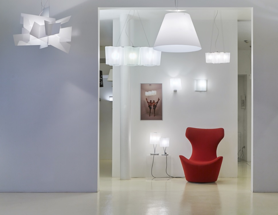 2016_09_V Lighting Gallery Big Bang Logico Costanza + red PAPILLIO.jpg