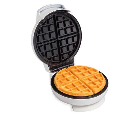 Belgian+Waffle+Maker+with+Waffe+Silo+Image.jpg